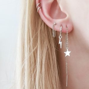 How to wear long chain earrings through one hole