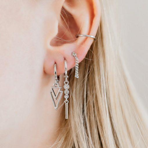 Earrings stud chain dots