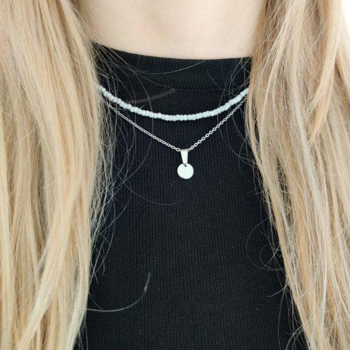 Necklace beaded light grey