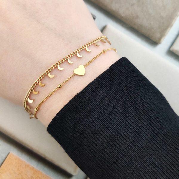 Bracelet tiny moons