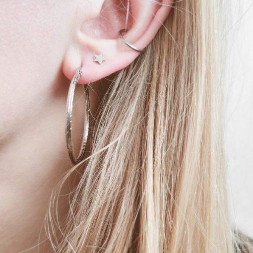 Earrings hoops round basic pattern